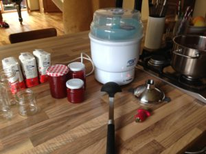 Utensilien zum Marmelade-Kochen