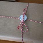 Geschenke einpacken mit Packpapier